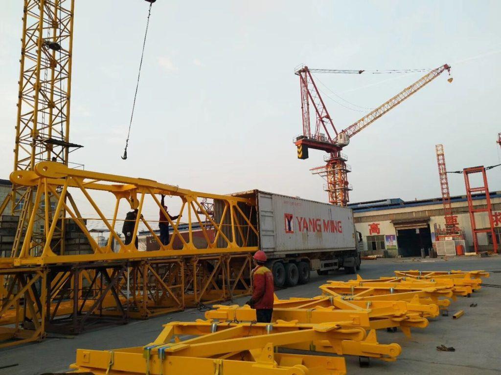 luffing tower crane